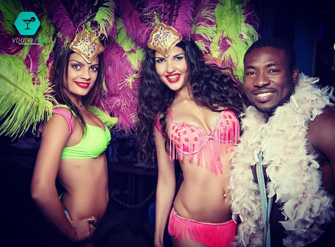 бразильские танцы в ресторане Сердце Самарканда