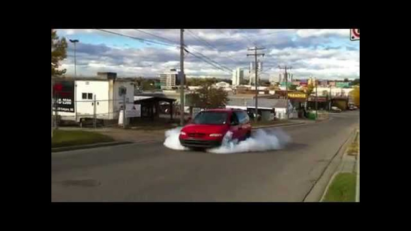 Chrysler Voyager Turbo burnout - Wicked
