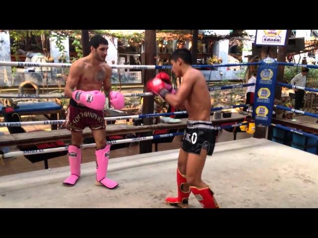 Safarov Rustam with Sangmanee Sor Tienpo sparing training at 13 coins muaythai GYM Thailand Bangkok