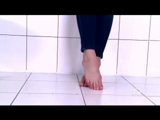Русские девушки: Kendra Star - Curvy Russian Temptress In Leg Fetish Casting Tease (2015) HD