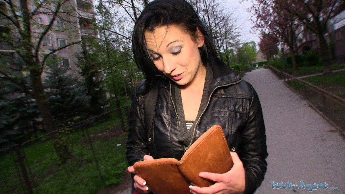 PublicAgent: Krystina (Сосет на улице за деньги)