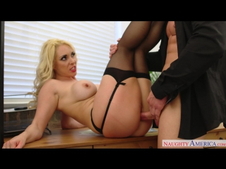 Naughty America - Victoria Summers in Naughty Office