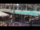 Paramore - Never Let This Go (Parahoy2)