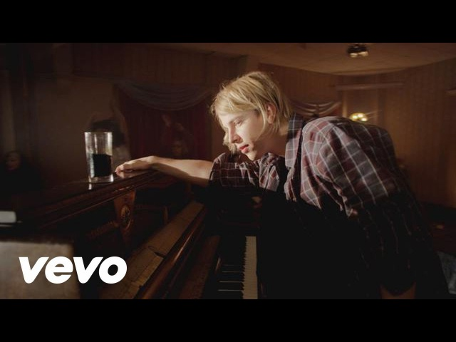 Tom Odell - Hold Me (Official Video)