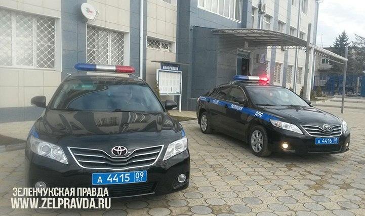 В автопарке ДПС ГИБДД станицы Зеленчукской появилось два новых автомобиля «Тойота-Камри»