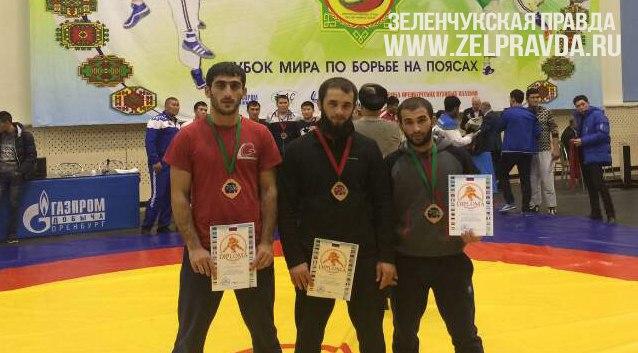 Жители Зеленчукского района призеры Чемпионата мира по борьбе на поясах в Оренбурге