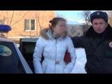 Маздаводка-беспредельщица Леночка разбушевалась, материт и бьет сотрудников полиции