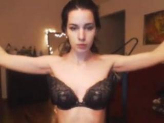 tryaset-grudyu-video-video-lesbiyskiy-analniy-skvirting
