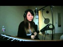 Girl-With-Amazing-Voice-and-Looping-Machine