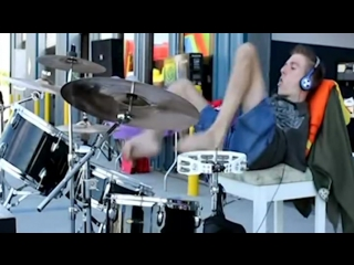 Armless drummer - your aw will drop