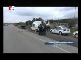 Груз ответственности. В Первоуральске водитель фуры, уличённый в нарушении, высыпал тонны щебня на проезжую часть.