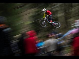 Грядущие выходные в мире велоспорта ознаменуются проведением этапа Чемпионата Мира по Маунтинбайку (DH и XCO) в Австралийском Кернсе. Как всегда ждем горячих разборок на гоночных трассах, а пока вот небольшая завлекалочка.