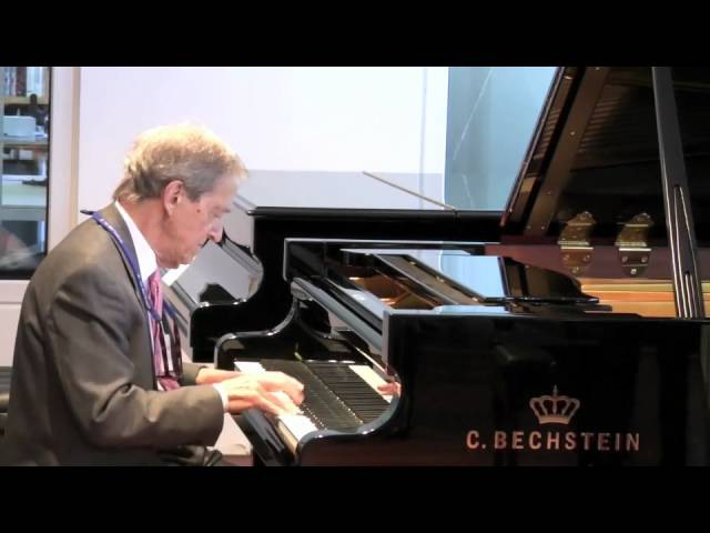 Sequeira Costa performs Moszkowski on a C. Bechstein grand