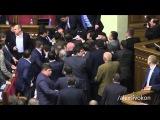 50 shades of Verkhovna Rada / Нападения Барны на Яценюка и драки в Раде