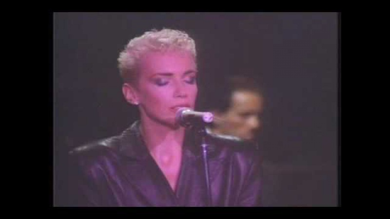 EURYTHMICS - The Miracle of Love (live 1987)