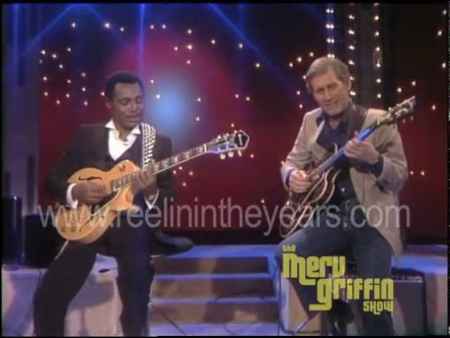 Chet Atkins George Benson- Help Me Make It Through The Night (Merv Griffin Show 1984)