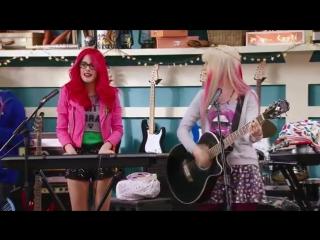Violetta_ Momento Musical_ Roxy y Fausta interpretan Underneath It All