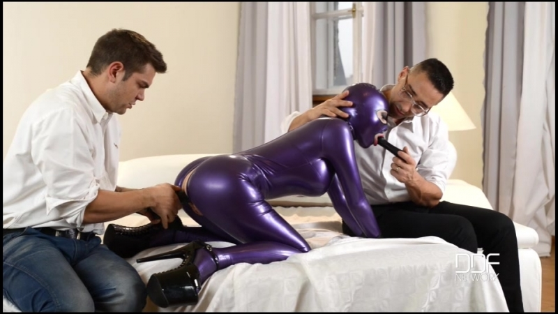 Latex Lucy (Latex Spanking Therapy, Part 1 -