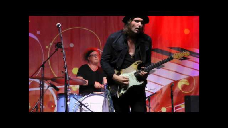 Philip Sayce AS THE YEARS GO PASSING BY Montreal Jazz Festival 2015