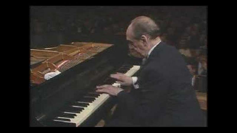 Horowitz plays Chopin Mazurka