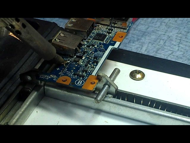 Как заменить USB разъем (How to Replace a Laptop USB port)