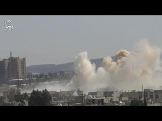 Сирия. Бомбовый удар ВВС САР по позициям боевиков в Дарайе..