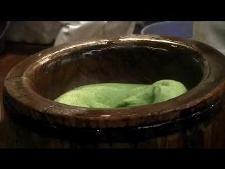 Как японцы делают рисовые лепешки