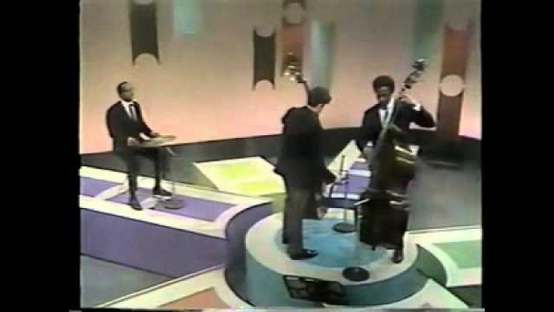 Gary Karr and Richard Davis playing a version of Eccles Sonata