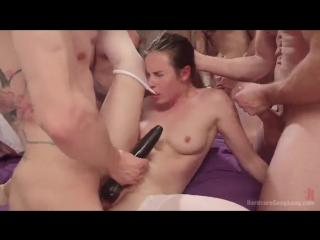 Порно разорвали жестко толпой