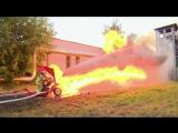 Водомет против огнемета. Полная версия. Firehose vs flamethrower. Complete video 720p