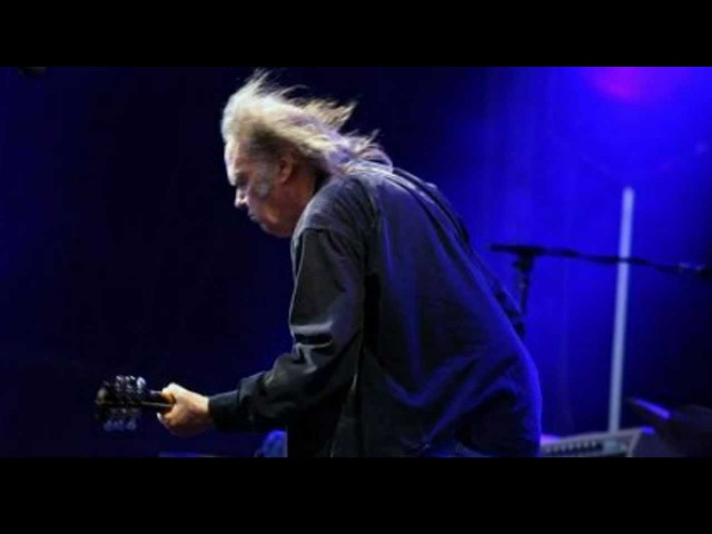 Neil Young Rockin'In The Free World(New Sound)Live From Hyde Park 27th June 2009