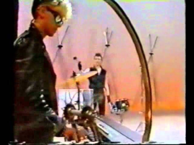Depeche Mode - Blasphemous Rumours (Tele Illustrierte Germany 10.12.1984)