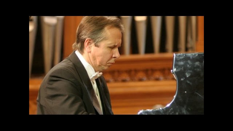Mikhail Pletnev plays Bach - Harpsichord Concerto No. 1 (live in Moscow, 1988)