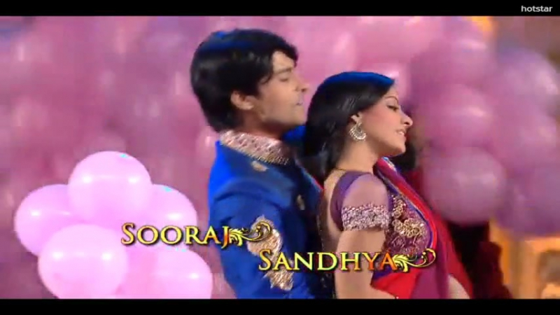 Танец Сураджа и Сандьи на Стар Паривар 2012