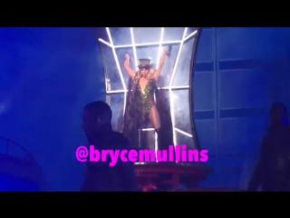 Britney Spears - Intro Work Bitch (13.02.2016)