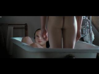 Ева Грин (Eva Green) голая в фильме «Чрево» (2010)