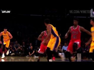 Derrick Rose steep pass! | VK.COM/VINETORT