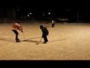 В хоккей играют настоящий папа с сыном.