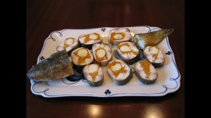 Рыба фаршированная перепелиными яйцами и морковью