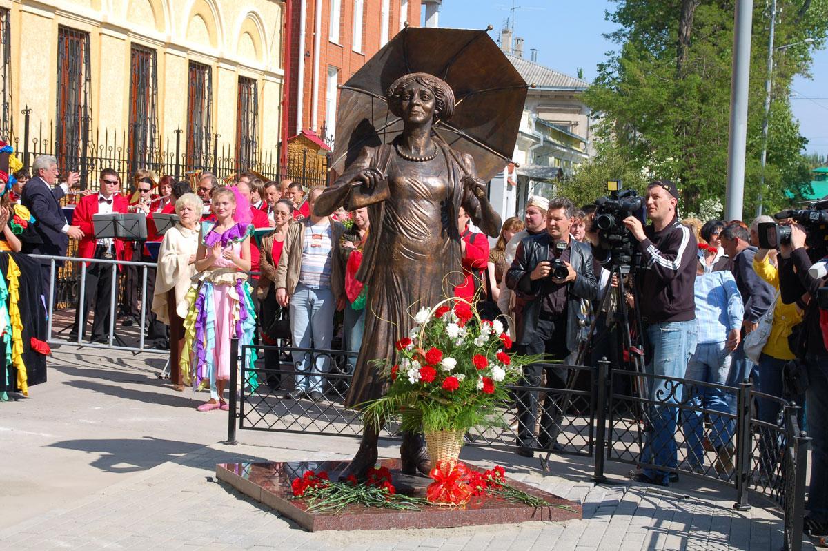 В Таганроге пройдут праздничные мероприятия, посвященные дню рождения Ф.Раневской и Дню российского кино