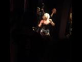 Леди Гага и Брайан Ньюман в джазовом клубе