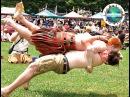 Шотландские горцы в юбках Зрелищные игры в Хайленде Вокруг Света
