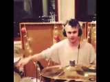 5SOS - Michael Clifford Play Drums