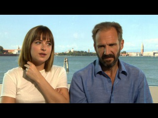 Exclusive Interview: Dakota Johnson and Ralph Fiennes discuss nude scenes - Video Dailymotion