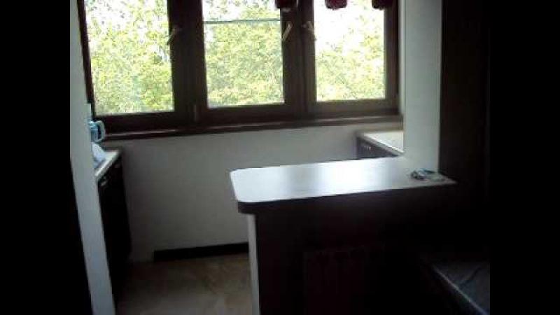 Кухня c балконом