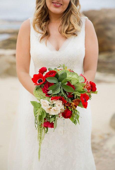 a1FeylTwzCM - Красные свадебные букеты (25 фото)