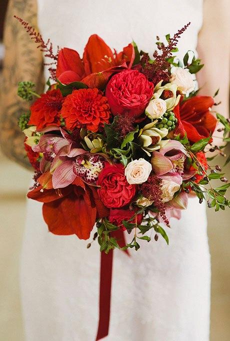gWMnUa27sU4 - Красные свадебные букеты (25 фото)