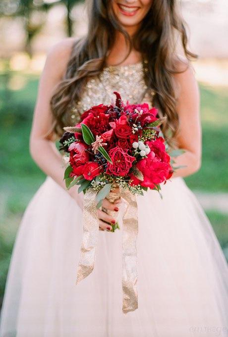 8uOf5FsxF3Y - Красные свадебные букеты (25 фото)