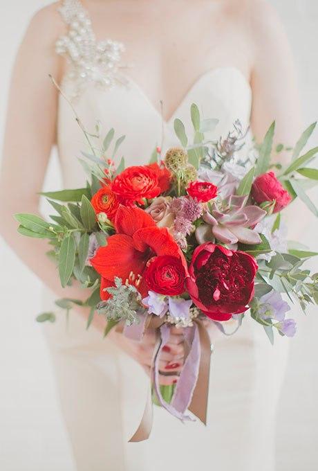 pDgFJS95lzM - Красные свадебные букеты (25 фото)