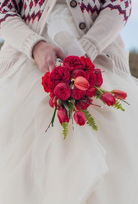 QnsCoXYFLeQ - Красные свадебные букеты (25 фото)